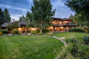 Manicured outdoor spaces - 309 Madison Ave, Ketchum ID